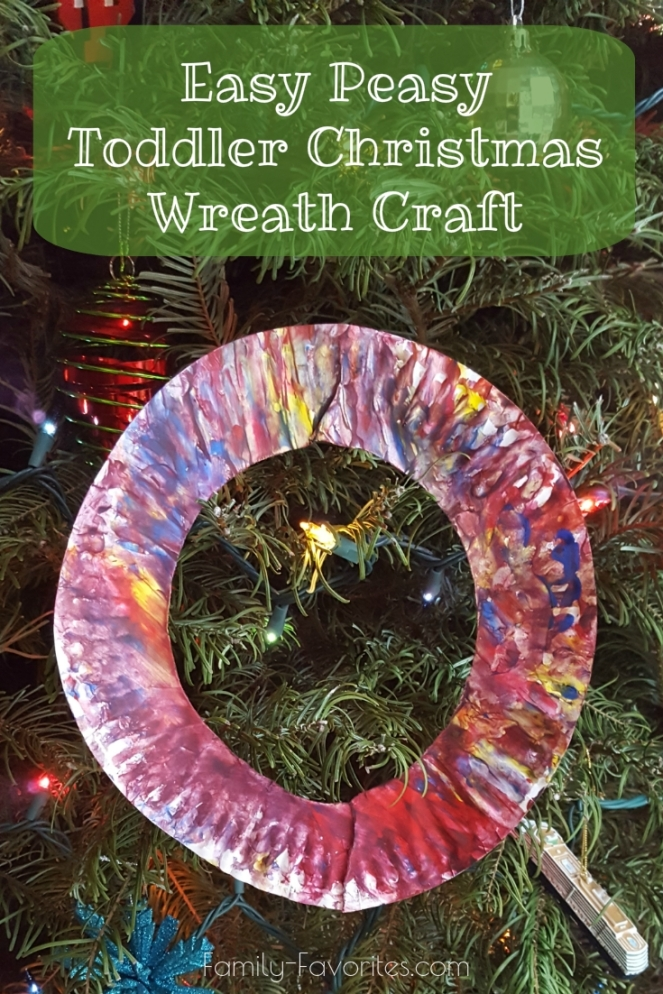 Easy Peasy Toddler Christmas Wreath Craft