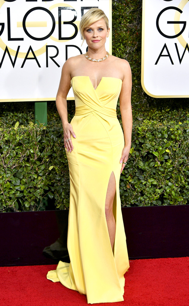 Best Dressed Moms at the 2017 Golden Globes - Reese Witherspoon